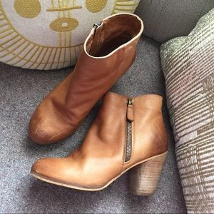 BP leather side zip bootie 6.5 wood heel